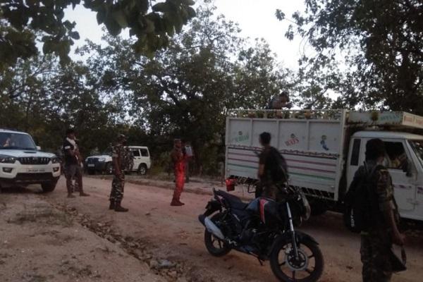 Jharkhand: कोरोना लॉकडाउन के दौरान हुई पहली मुठभेड़, जवानों ने एक नक्सली को मार गिराया