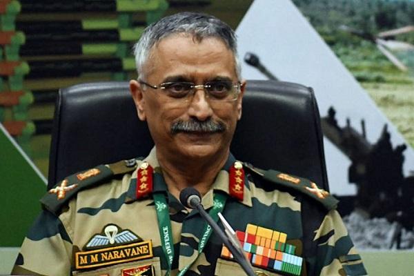 'हम दुनिया को दवा दे रहे हैं और पाकिस्तान हमें आतंकी'- आर्मी चीफ