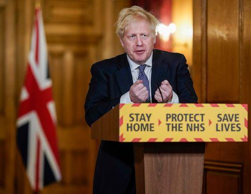 कोविड-19 के बदलते रूप और ब्रिटेन की गहराती दुविधा