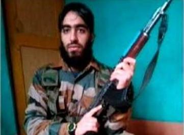हिजबुल चीफ नायकू की मौत से बौखलाई ISI, इस डॉक्टर को सौंपी घाटी में आतंक की कमान