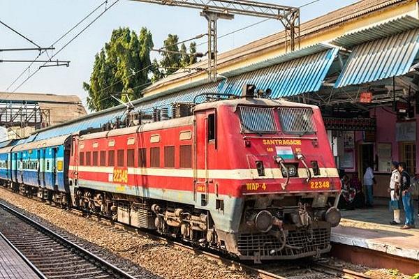 भारतीय रेलवे ने जारी की 1 जून से चलने वाली ट्रेनों की लिस्ट, आज से बुकिंग शुरू
