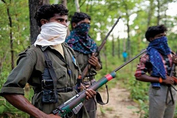 झारखंड: पुलिस को मिली बड़ी कामयाबी, 4 नक्सली गिरफ्तार, संदिग्ध सामग्री बरामद
