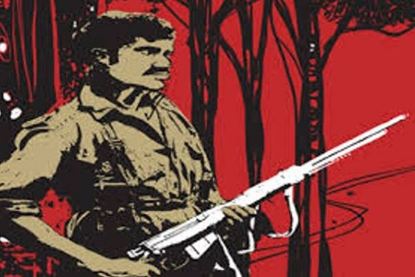 छत्तीसगढ़: दंतेवाड़ा में पुलिस को बड़ी कामयाबी, एक लाख के इनामी समेत 3 नक्सलियों ने किया सरेंडर