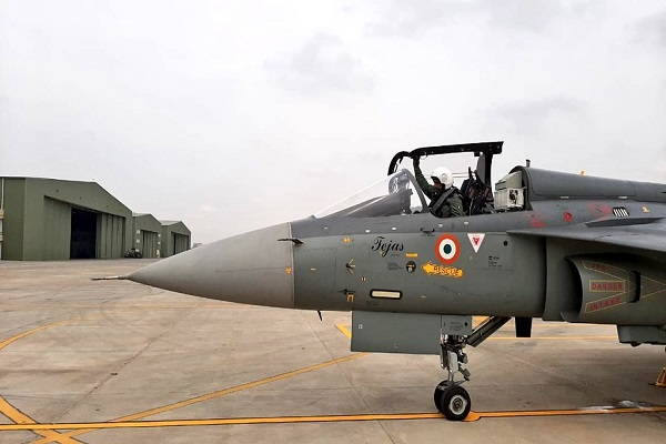 Indian Air Force: वायुसेना में शामिल हुई 'फ्लाइंग बुलेट्स', चीन की हर हरकत पर रखेगी कड़ी नजर