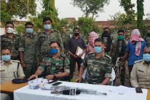 झारखंड: सिमडेगा पुलिस को मिली बड़ी कामयाबी, PLFI के जोनल कमांडर सहित दो नक्सलियों को किया गिरफ्तार