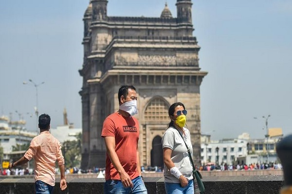 Coronavirus: भारत में पिछले 24 घंटों में टूटा संक्रमण के नए मामलों और मौतों का रिकॉर्ड