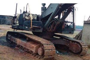 झारखंड: लोहरदगा में नक्सलियों का तांडव, खनन के काम में लगे वाहनों को किया आग के हवाले