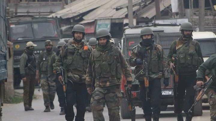जम्मू कश्मीर: अभी-अभी शोपियां के पिंजुरा में फिर 4 आतंकी ढेर,  पिछले 24 घंटे में 9 आतंकी मारे गए