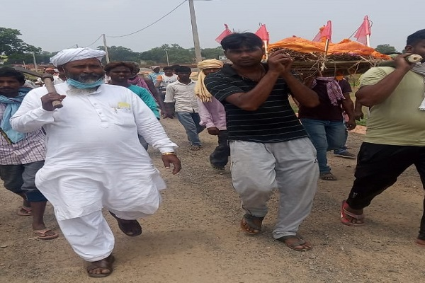 Jharkhand: प्रेम और सद्भाव की मिसाल; अपनों ने छोड़ दिया साथ, मुस्लिम युवकों ने शव को पहुंचाया मुक्तिधाम