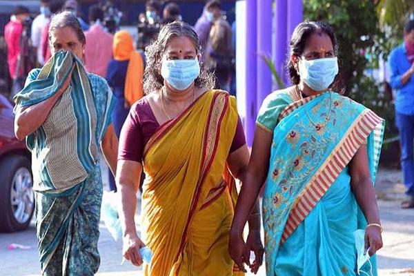 Coronavirus: देश में बढ़ रहा कोरोना का कहर, बीते 24 घंटे में आए 22 हजार से ज्यादा केस; दिल्ली में 56 दिन बाद नए मामलों की संख्या 350 के पार