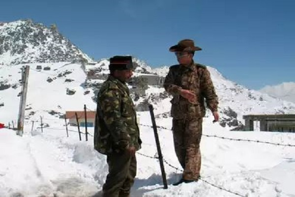 पैंगोंग झील के किनारे भारत-चीन के बीच फिर हुई झड़प, सेना ने दिया मुंहतोड़ जवाब