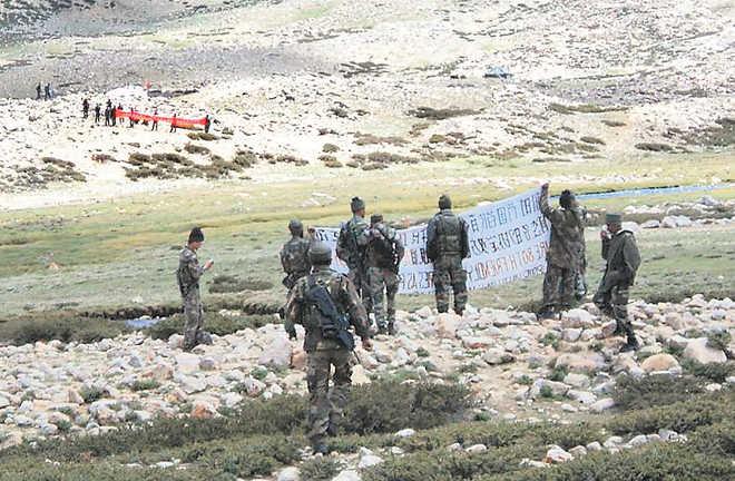 Ladakh: गलवान घाटी में 2 किलोमीटर पीछे हटी चीन की सेना, सैनिकों के बीच बना बफर जोन