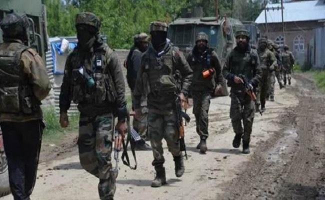 जम्मू-कश्मीर: अनंतनाग में मुठभेड़, CRPF पर हमला करने वाले आतंकियों को जवानों ने किया ढेर
