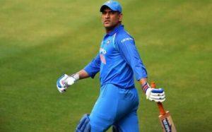 महेंद्र सिंह धोनी: रांची के माही ने ICC की तीनों ट्रॉफी जीतकर रचा था इतिहास