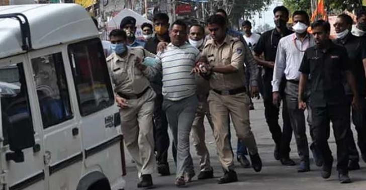 Vikas Dubey Encounter: गैंगस्टर विकास दुबे का चैप्टर क्लोज, कानपुर में यूपी एसटीएफ ने मार गिराया, पुलिस की पिस्टल छीनकर भागने की कर रहा था कोशिश