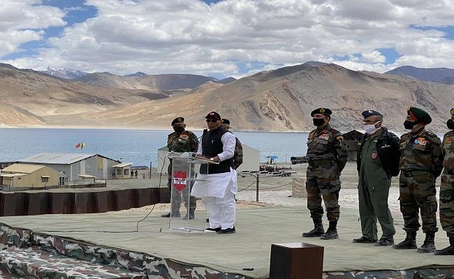 LAC पर रक्षा मंत्री राजनाथ सिंह ने चीन को चेताया, कहा- भारत की एक इंच जमीन भी दुनिया की कोई ताकत छू नहीं सकती