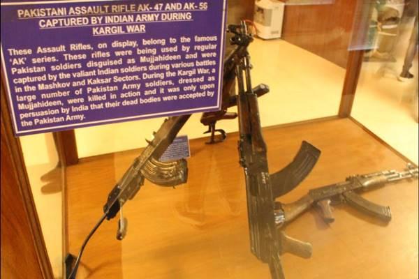 कारगिल युद्ध में भारतीय सेना ने पाक को हराया और फिर जब्त किए थे हथियार, रॉकेट लॉन्चर से लेकर ग्रेनेड तक हुए बरामद