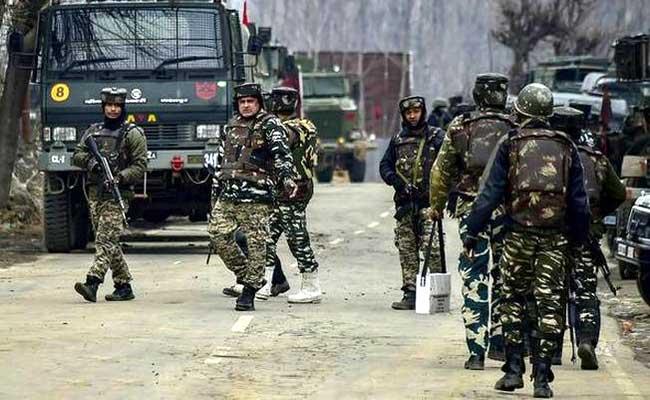 जम्मू कश्मीर में 2 बड़े आतंकी हमले, एक सरपंच को गोरी मारी, 2 जवान घायल