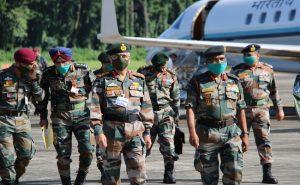 सेना प्रमुख ने LAC पर लिया सुरक्षा का जायजा, चौथी कोर मुख्यालय का किया दौरा