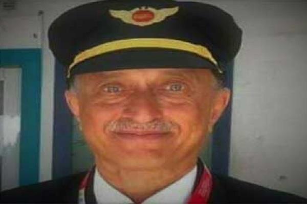 केरल विमान हादसा: मृत पायलट दीपक वसंत साठे के पास था 10 हजार घंटे से ज्यादा उड़ान का अनुभव, जानें पूरी स्टोरी