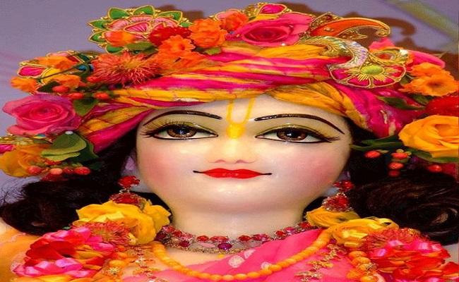 Krishna Janmashtami: देशभर में धूम-धाम से मनाई जा रही कृष्ण जन्माष्टमी, देखें तस्वीरें