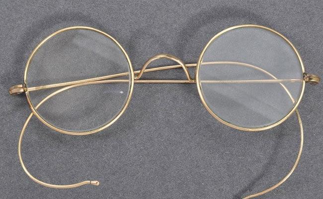 लंदन में हुई गांधी जी के चश्मे की नीलामी, 2.55 करोड़ में इस गैर-भारतीय ने खरीदी बापू की निशानी