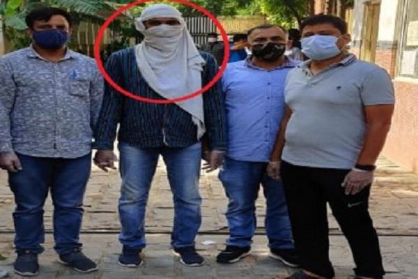 दिल्ली में पकड़े गए ISIS आतंकी के घर छापेमारी, दंग रह गई पुलिस, जानें क्या था प्लान