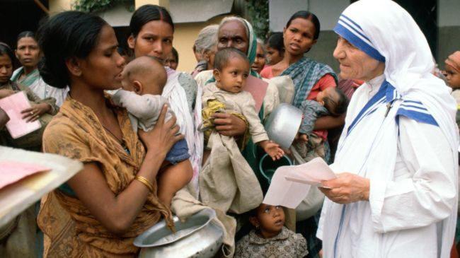'जख्म भरने वाले हाथ, प्रार्थना करने वाले होंठ से कहीं ज्यादा पवित्र हैं'- भारत रत्न मदर टेरेसा