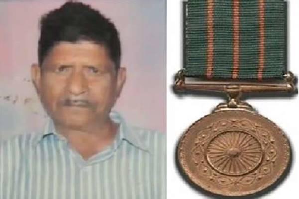 1971 का युद्ध: कमर के पास गोली लगी और हो गए घायल, शौर्य पदक विजेता सोनेलाल शंखवार की पूरी कहानी