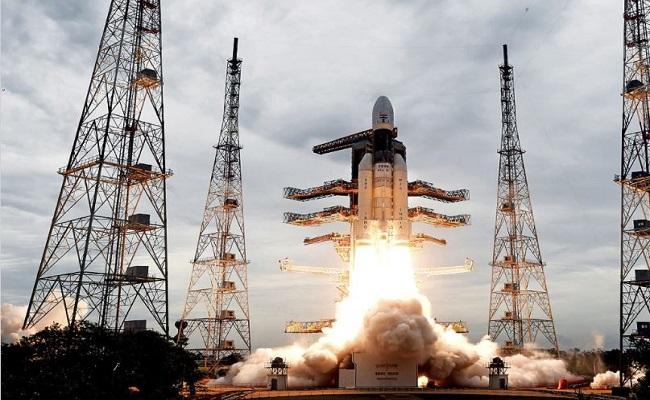 अगले साल ISRO लॉन्च करेगा चंद्रयान-3, तस्वीरों में देखें तैयारी…