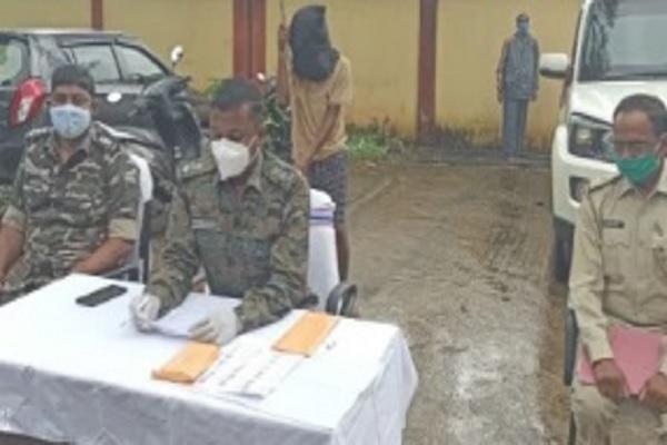 झारखंड: PLFI का एरिया कमांडर गिरफ्तार, कई नक्सली वारदातों को दे चुका था अंजाम