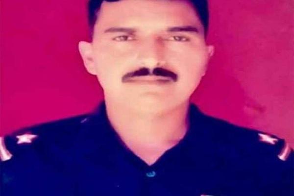 राजौरी में पाकिस्तान की ओर से हुई फायरिंग में सूबेदार राजेश कुमार शहीद, परिजनों ने की ये अपील