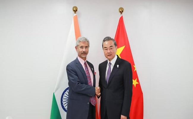 भारत के विदेश मंत्री एस जयशंकर ने की चीनी विदेश मंत्री से मुलाकात, इन 5 अहम मुद्दों पर बनी बात