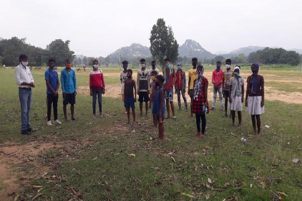 झारखंड: खेल के क्षेत्र में आगे बढ़ेंगे सिमडेगा जिले के बच्चे, नक्सलियों की वजह से छिप गया था हुनर