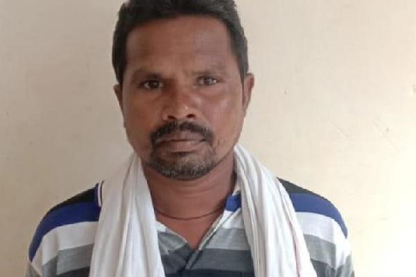 बीजापुर: नक्सलियों का डॉक्टर कारम नरायण गिरफ्तार, इंजेक्शन और टांका लगाने की देता था ट्रेनिंग