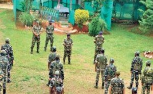Jharkhand: नक्सलियों के खिलाफ एक्शन में सुरक्षाबल, डीआईजी उषा किरण कंडूलना ने CRPF अधिकारियों के साथ बनाई ये रणनीति