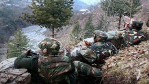 जम्मू कश्मीर:  कुलगाम में आतंकियों और सुरक्षाबलों के बीच मुठभेड़, एक आतंकी ढेर