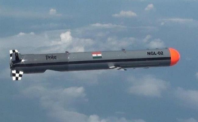 LAC पर Indian Army ने तैनात किया यह हथियार, जानें DRDO द्वारा बनाई गई 'निर्भय' की खासियत