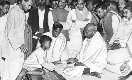 गांधी जयंती 2020: बापू ने रखी चंपारण आंदोलन की नींव, अंग्रेजों के खिलाफ लड़ाई का फूंका बिगुल