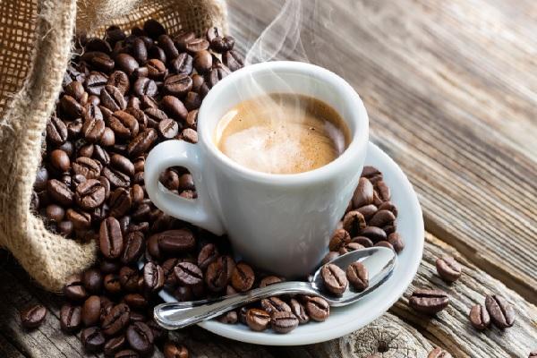 इंटरनेशनल कॉफी डे: दुनिया में कैसे हुई कॉफी पीने की शुरुआत? यहां जानें