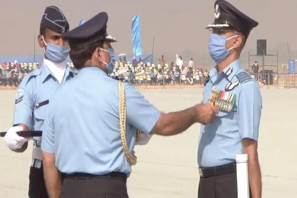 Air Force Day: बालाकोट एयर स्ट्राइक में शामिल जवान सम्मानित, पाकिस्तान में घुसकर आतंकियों को किया था ढेर