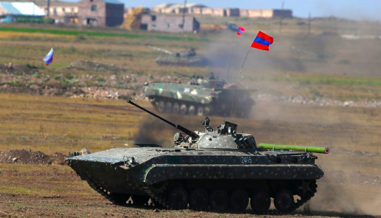 आर्मेनिया और अजरबैजान के बीच जारी जंग पर रूस ने लगाया पूर्णविराम, दोनों देश संघर्ष-विराम पर सहमत