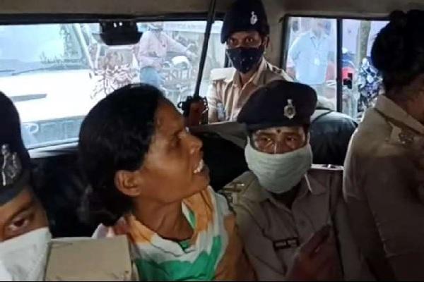बिहार चुनाव: मीनापुर विधानसभा क्षेत्र की प्रत्याशी भारती देवी गिरफ्तार, सामने आया नक्सली कनेक्शन