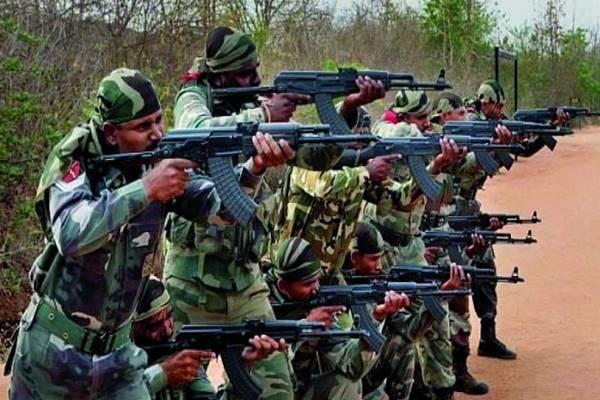 महाराष्ट्र: गढ़चिरौली में सी-60 कमांडो फोर्स को बड़ी कामयाबी, 5 नक्सलियों को किया गोलियों से छलनी, हथियार भी बरामद