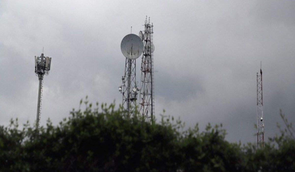 चीन की मदद से पाकिस्तान ने रची नई साजिश, आतंकियों की मदद के लिए सीमा पर बढ़ा रहा है मोबाइल और टीवी की फ्रिक्वेंसी