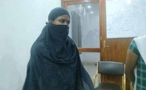 Chhattisgarh: 5 लाख की इनामी महिला नक्सली गिरफ्तार, परिवार से मिलने आई थी गांव