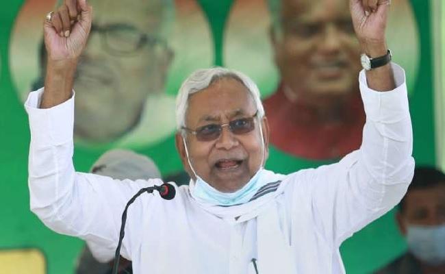 बिहार: नीतीश कुमार ने गृह मंत्रालय अपने पास रखा, जानें कौन सा विभाग किसे मिला