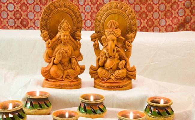 Diwali 2020: सर्वार्थसिद्धि योग में मनाई जाएगी दिवाली, यहां जानें पूजा का शुभ मुहूर्त