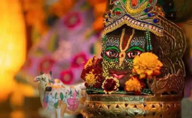 Govardhan Puja 2020: देश में आज मनाई जा रही गोवर्धन पूजा, जानें क्या है शुभ मुहूर्त