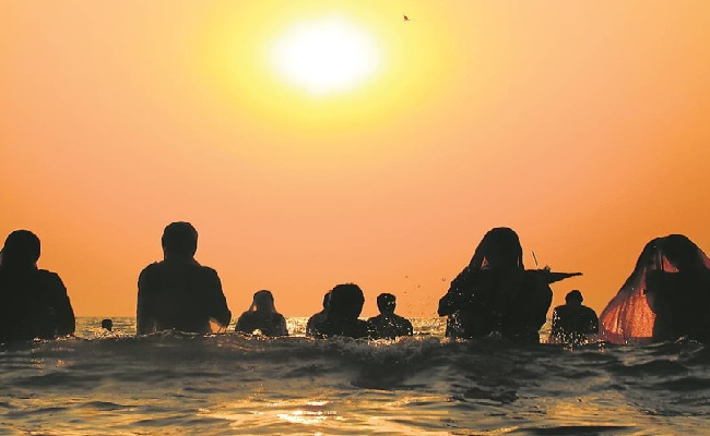 Chhath Puja 2020: छठ पूजा की हो चुकी है शुरुआत, जानें क्या होता है खरना और इसका महत्व